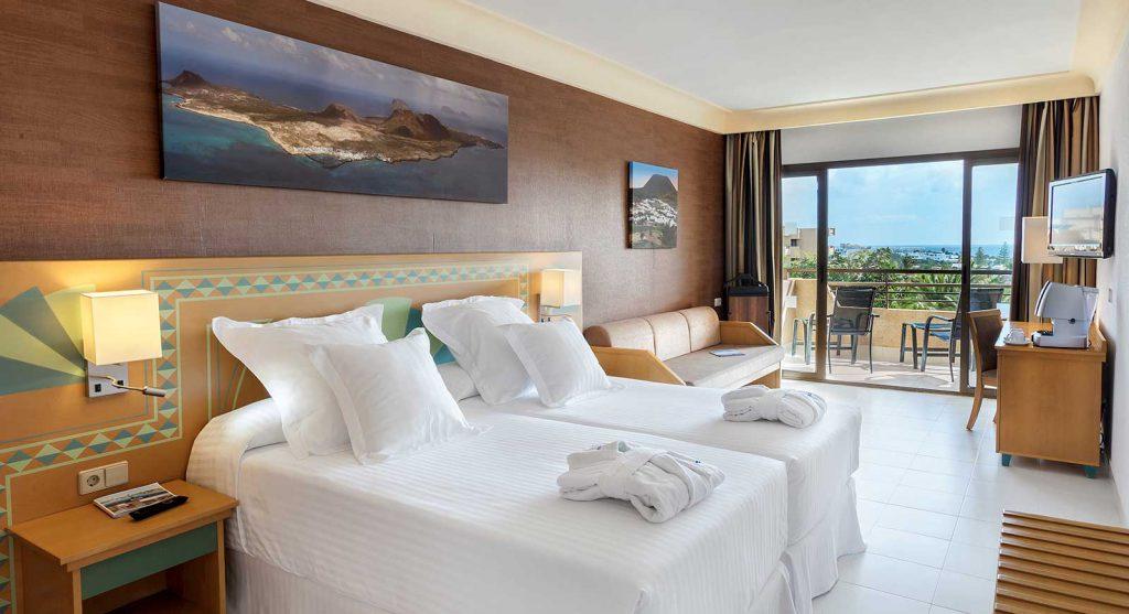 lanzarote-hotel-room-03